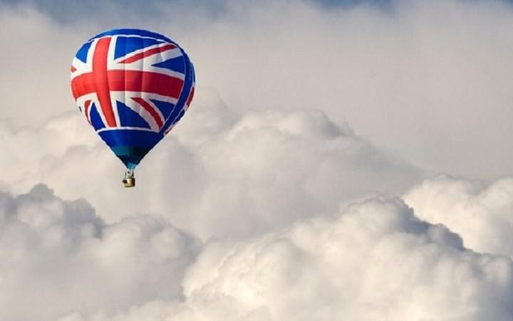 Μετά το «Brexit» η Βρετανία κάνει στροφή προς τη βιομηχανία