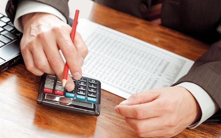 Έρχονται φόροι 21 δισ. ευρώ μέχρι το τέλος του έτους (κι όποιος αντέξει)