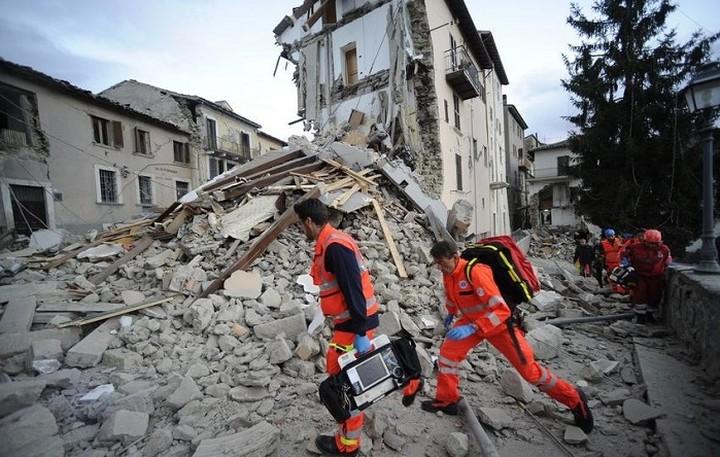 Σεισμός 6 ρίχτερ στη Ρώμη- Τουλάχιστον 6 νεκροί