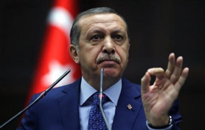 Ερντογάν: Η ΕΕ οφείλει να δώσει τα 3 δισεκατομμύρια ευρώ που δεσμεύτηκε