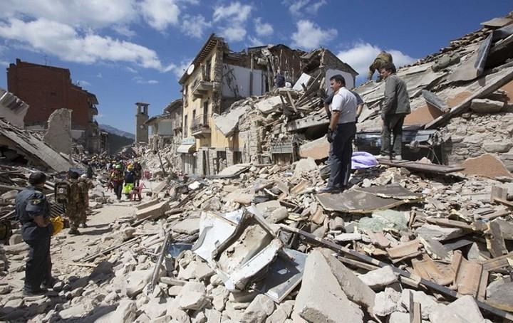 Πάνω από 247 είναι οι νεκροί από το σεισμό στην Ιταλία
