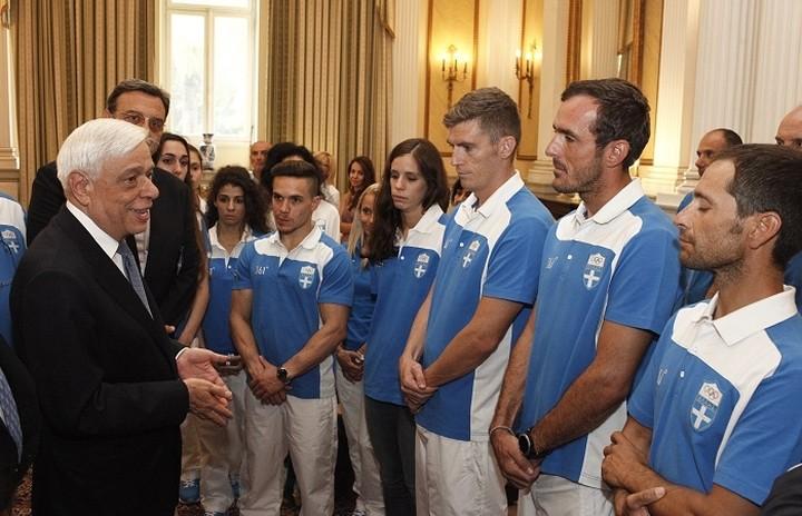 Παυλόπουλος σε Ολυμπιονίκες: Είστε παράδειγμα για τους νέους
