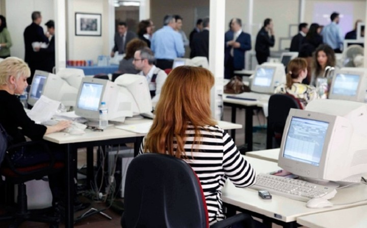 Τι αλλάζει για 50.000 δημοσίους υπαλλήλους