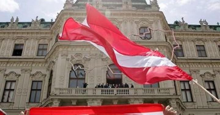 Αυστρία: Προβάδισμα 6% του υποψηφίου της ακροδεξιάς