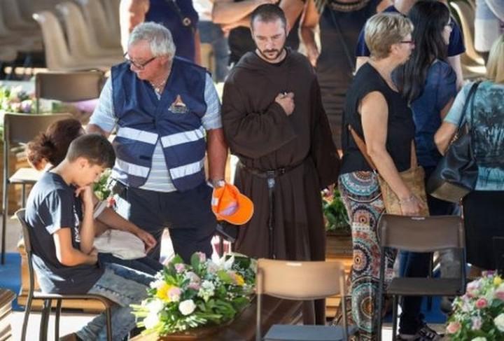 Ιταλία: Στο Αματρίτσε θα τελεστεί αύριο η κηδεία των ανθρώπων