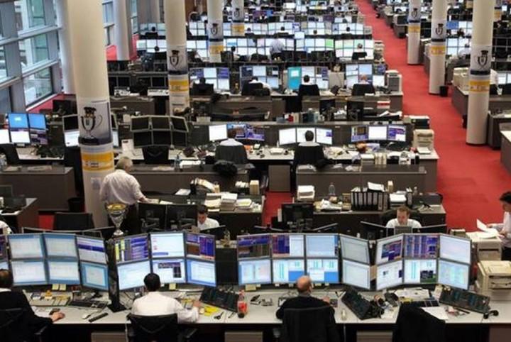 """Ευρωαγορές: """"Μπερδεμένοι"""" οι επενδυτές μετά τη Fed"""