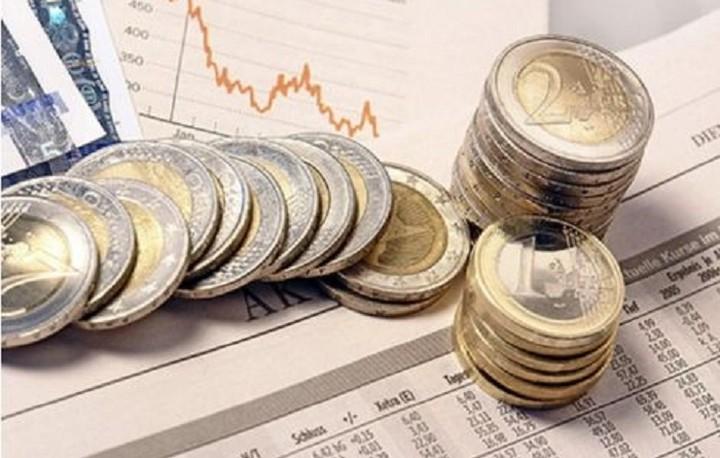 """Τα """"προαπαιτούμενα"""" για να αγοράσει η ΕΚΤ ελληνικά ομόλογα -Το χρονοδιάγραμμα και τα εμπόδια"""