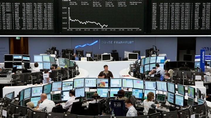 Ευρωαγορές: Υποχώρησαν υπό την πίεση τραπεζών και πετρελαίου