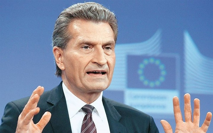 Έτινγκερ: Η Ευρώπη πρέπει να επενδύσει 800 δισ. στις ψηφιακές υποδομές