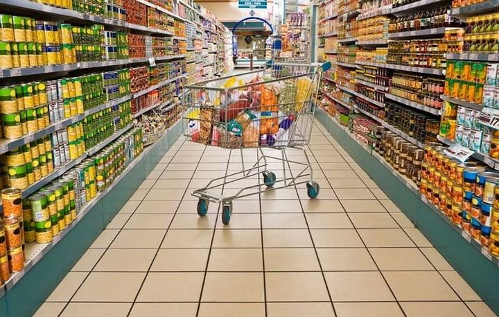 Ποια αλυσίδα σουπερμάρκετ απολύει 7.000 υπαλλήλους