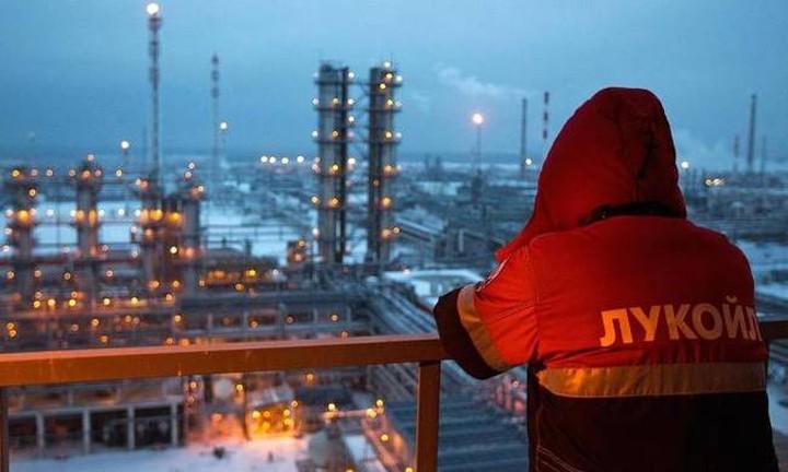 Ρωσία: Έτοιμη για συμφωνία που θα ανεβάσει το πετρέλαιο