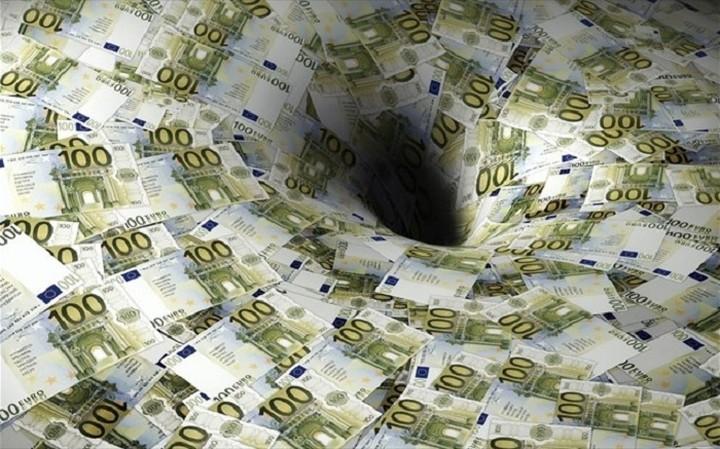 Nέα «τρύπα» στα φορολογικά έσοδα του Αυγούστου