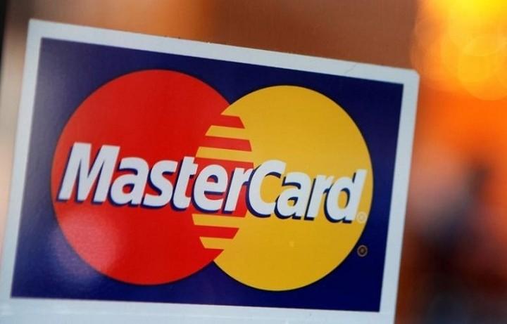 Συμφωνία για MasterCard και PayPal