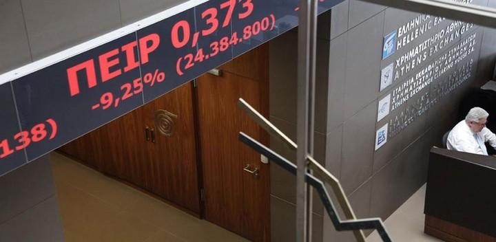 ΧΑ: Συνεχίζεται η τραπεζική πτώση