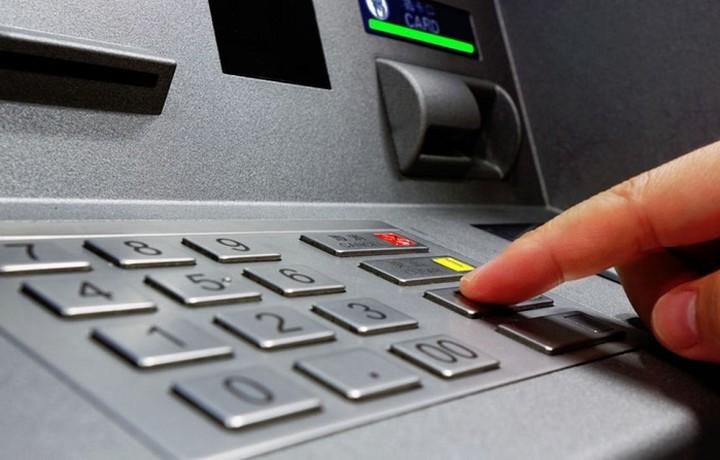 Capital controls: Όσα πρέπει να γνωρίζετε για το «παλιό» και το «νέο» χρήμα