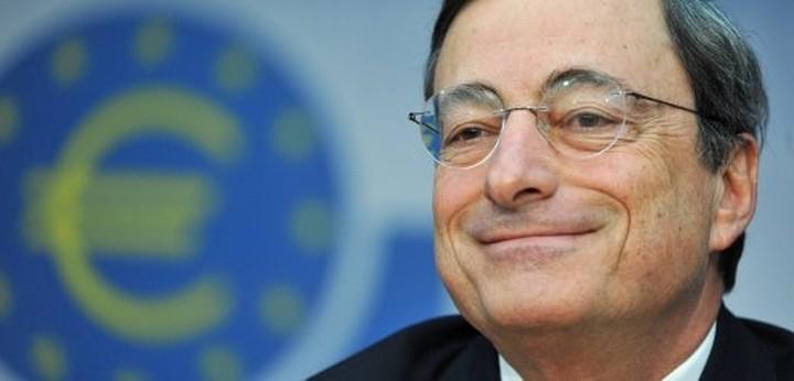 """Παίρνει τα """"πάνω"""" του το ευρώ ελέω Ντράγκι"""