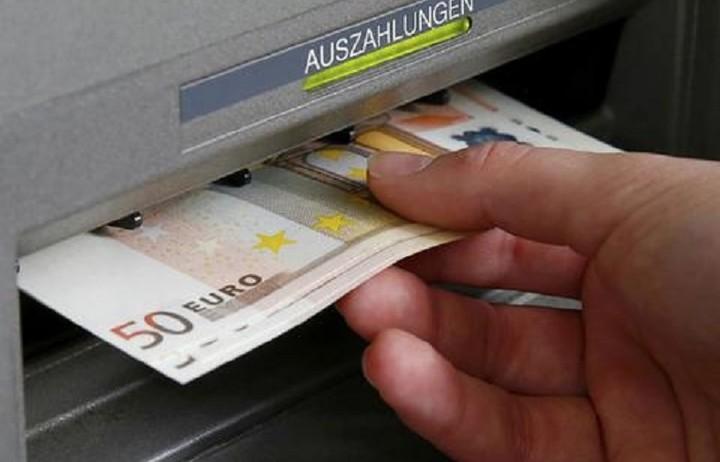 Ιδού πόσα χρήματα επέστρεψαν στην τράπεζα μετά τη χαλάρωση των capital controls