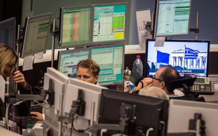 Ευρωαγορές: Απογοήτευσε ο Ντράγκι - Πτώση για ευρώ