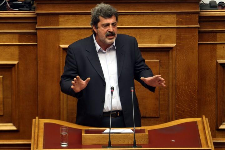 Πολάκης: Δε μεταφέρθηκαν διαθέσιμα του ΕΟΠΥΥ σε συνεταιριστική τράπεζα