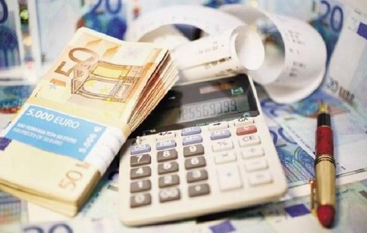 Γιατί τα μισά νοικοκυριά της χώρας δεν πληρώνουν καθόλου φόρους
