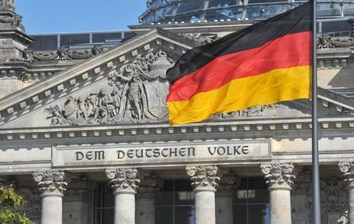 Διπλό «όχι» από Βερολίνο στις γερμανικές αποζημιώσεις