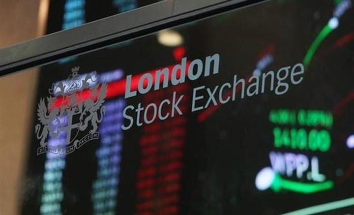 """Ενεργειακές και Wall Street """"παρασέρνουν"""" τις ευρωαγορές"""
