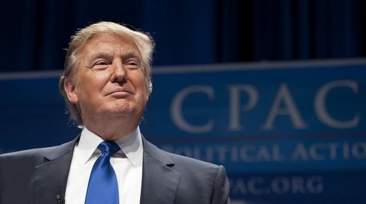 H νίκη Τραμπ μπορεί να κοστίσει έως και 1 τρισ. δολάρια στις ΗΠΑ