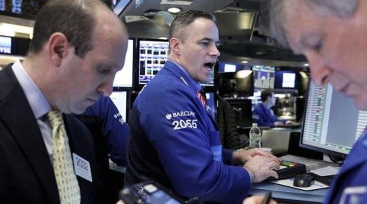 """WS: """"Διέγραψε"""" τα χθεσινά κέρδη μετά τη διολίσθηση του πετρελαίου"""
