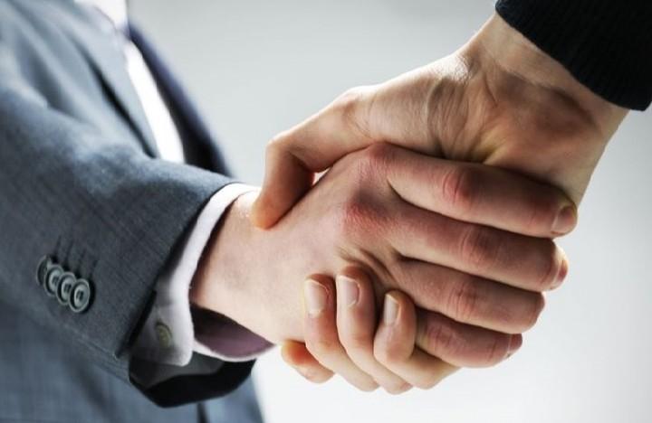 Το deal δύο κολοσσών τεχνολογίας που είναι εις βάρος των εργαζομένων τους