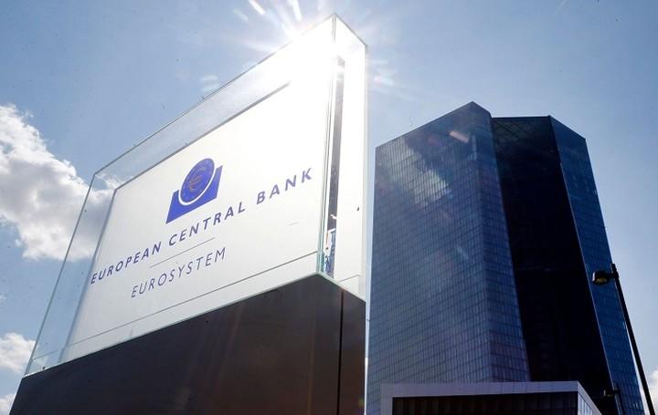 H ΕΚΤ υποστηρίζει το ελληνικό αίτημα για μικρότερα πλεονάσματα