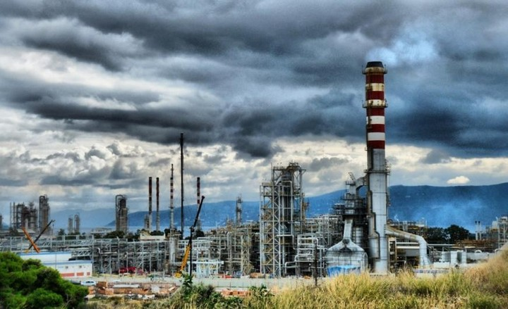 UBS: Παραμένουν ελκυστικές οι μετοχές ΕΛΠΕ και Motor Oil