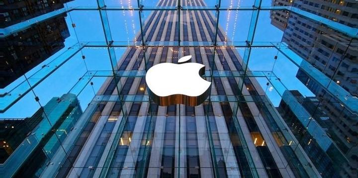 WS: Apple... εναντίον όλων