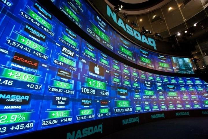 """""""Αναθαρρεύει"""" η Wall Street με νέο άλμα της Apple"""