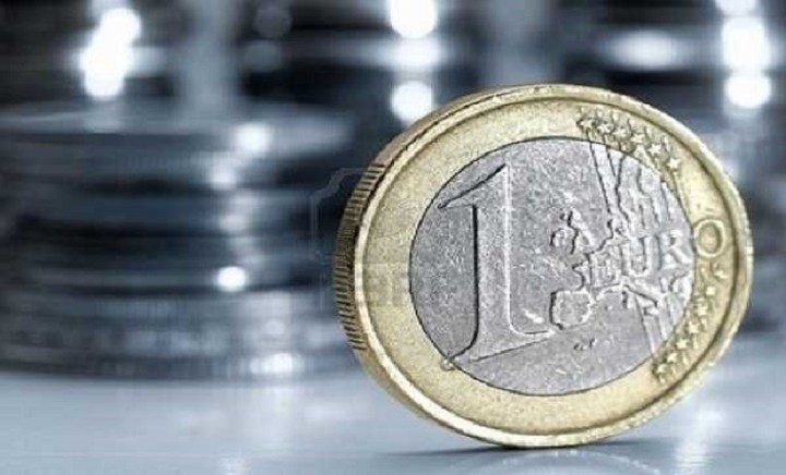 Οριακή άνοδο σημειώνει το ευρώ