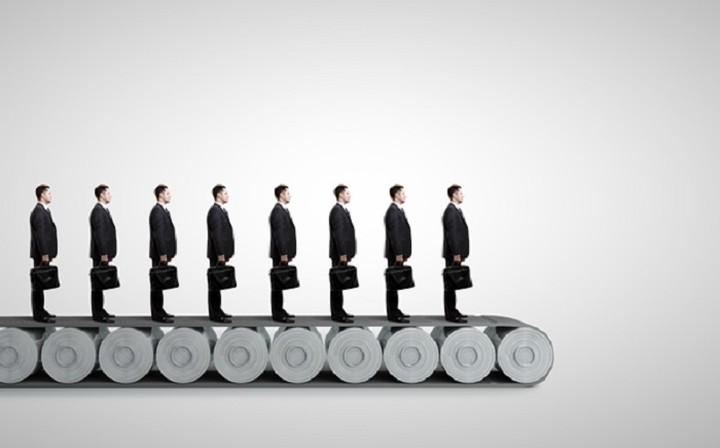Ποια αυτοκινητοβιομηχανία προχωράει σε μαζικές απολύσεις