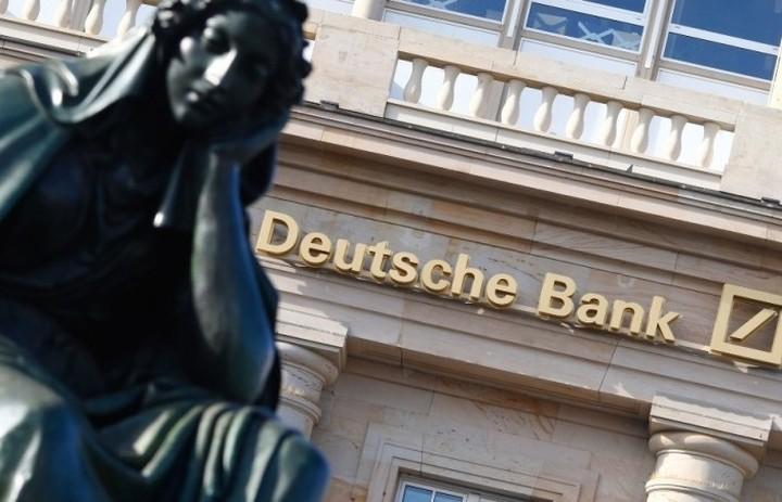 Καταρρέει η μετοχή της Deutsche Bank