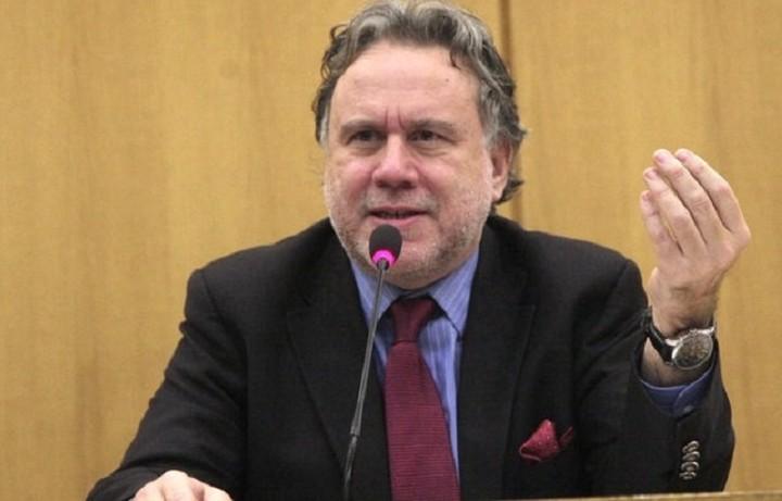 Κατρούγκαλος: ΝΔ και ΠΑΣΟΚ δηλώνουν τα αντίθετα από αυτά που γράφει ο νόμος