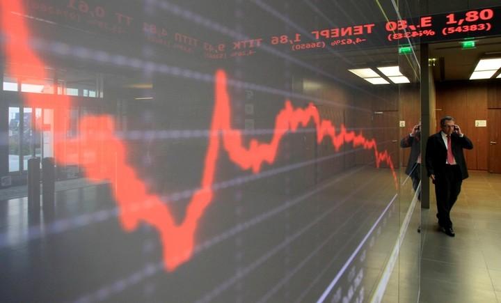 """ΧΑ: Ευρώπη και Deutsche Bank δεν το αφήνουν να... """"αγιάσει"""""""