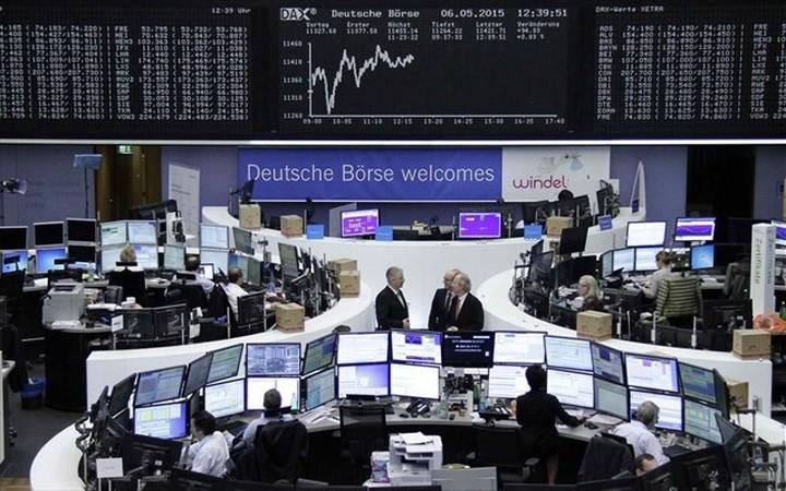 """Ευρωαγορές: Τα """"μάζεψαν"""" στο τέλος με βοήθεια εξ Αμερικής"""