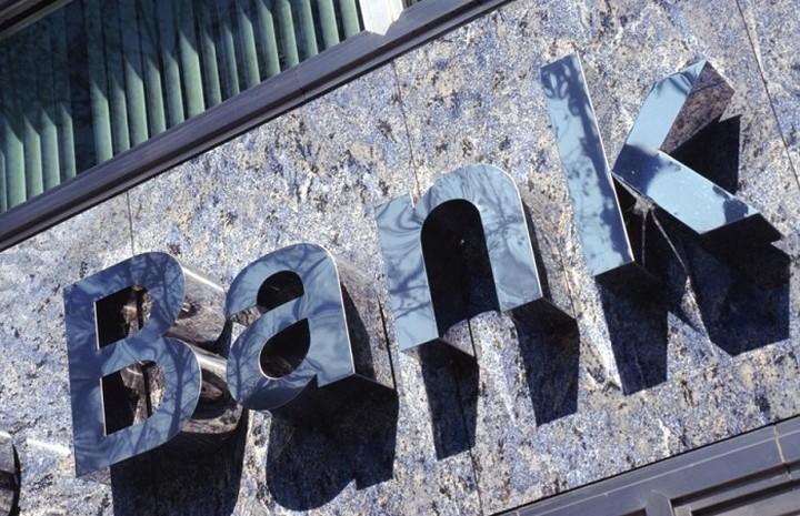 Κινδυνεύουν 16.000 θέσεις τραπεζιτών στη Σουηδία