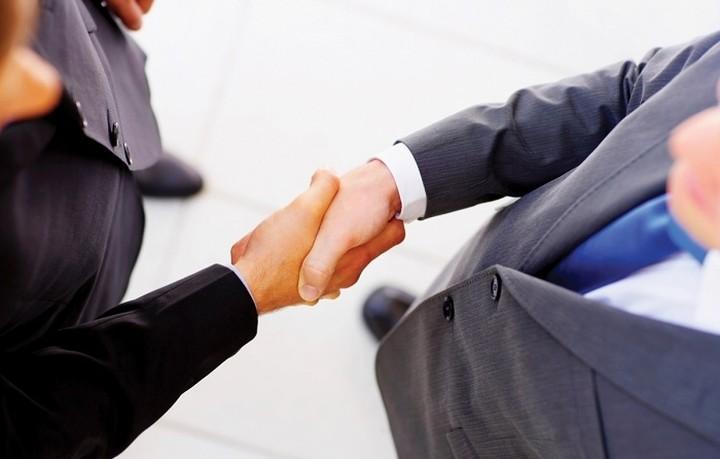 Ένα βήμα πιο κοντά η συμφωνία- μαμούθ στο κλάδο των αλκοολούχων