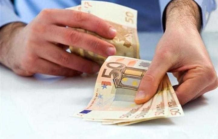 Ποιες οικογένειες δικαιούνται επίδομα έως 600 ευρώ