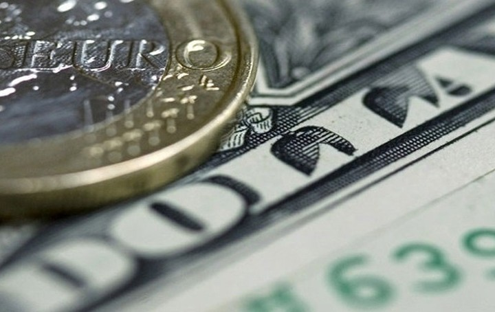 Οριακή άνοδος για το ευρώ