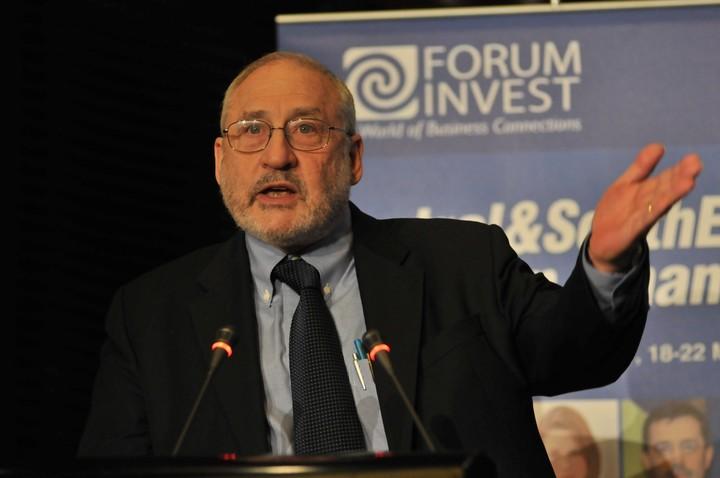"""Stiglitz: """"Το """"ευρώ"""" λειτουργεί διχαστικά για την Ευρώπη"""""""
