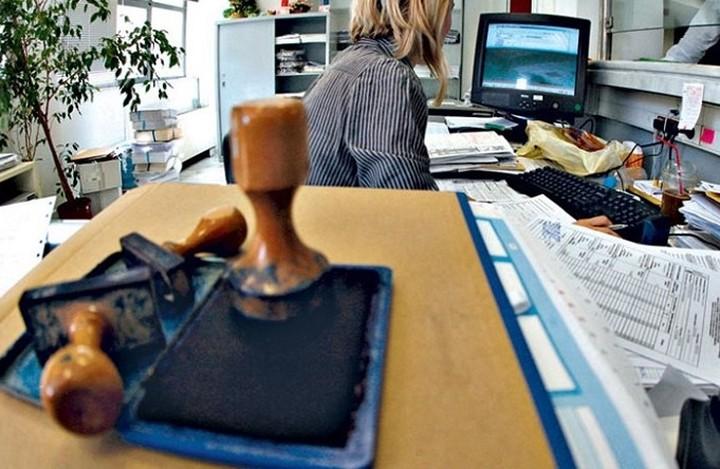 Οι ευκαιρίες και οι παγίδες που κρύβει η συνατξιοδότηση των δημοσίων υπαλλήλων