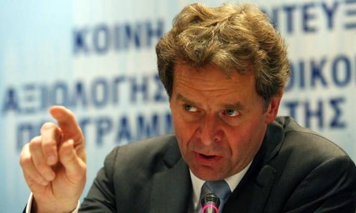 Τόμσεν: Επαναφέρει ζήτημα ασφαλιστικού και φορολογικού