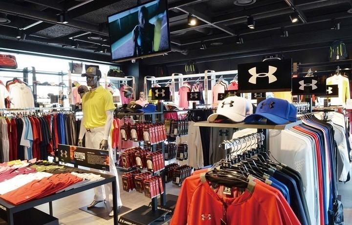 Το μερίδιο αγοράς της Nike και της Adidas διεκδικεί η Under Armour