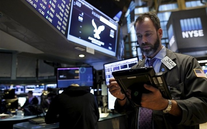 WS: Ισχυρές απώλειες εν μέσω Fed και μάκρο