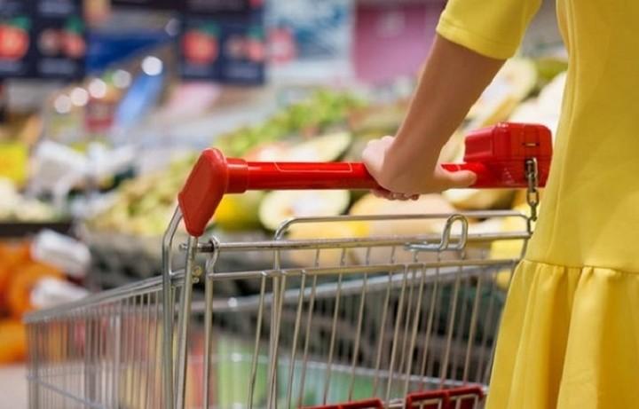 Η κρίση μειώνει τις δαπάνες των νοικοκυριών για τρόφιμα