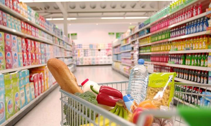 Εξαφανίζονται σιγά σιγά τα μικρά σούπερμάρκετ